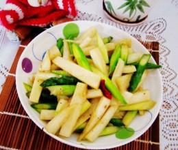 蚝油茭白炒芦笋