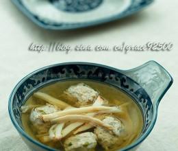 鸡枞肉丸汤