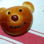 小熊造型的草莓果酱面包(早餐菜谱)