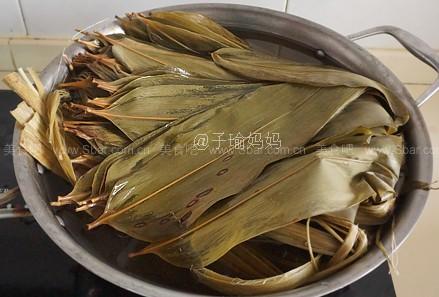 双枣蜜粽(手把手教你包粽子)的做法步骤