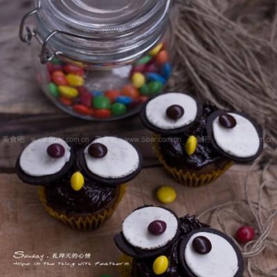 猫头鹰巧克力杯子蛋糕