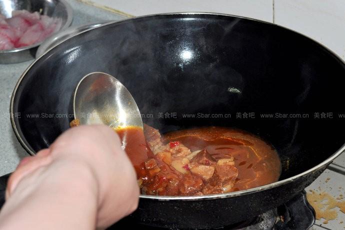 红烧牛肉盖浇饭