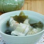 鱼肚海带尾骨汤