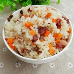 胡萝卜牛肉焖饭(电饭锅食谱)