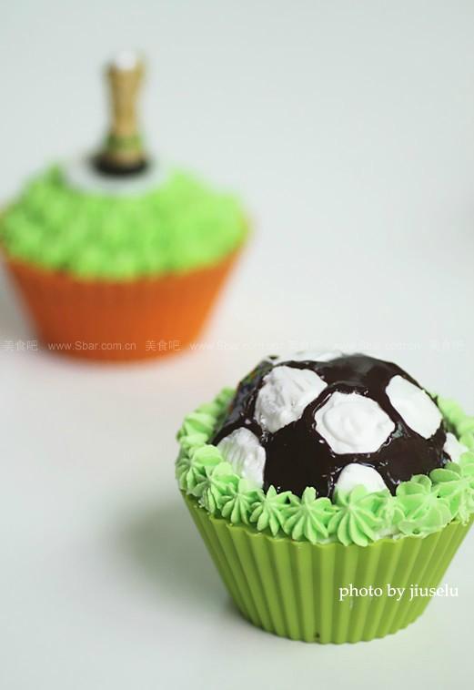足球蜂蜜蛋糕