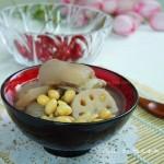 黄豆莲藕猪蹄汤