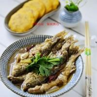 铁锅炖鱼玉米饼