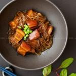 猪肉炖粉条(东北菜)