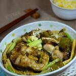 酸菜焖鲶鱼(夏日开胃下饭菜)