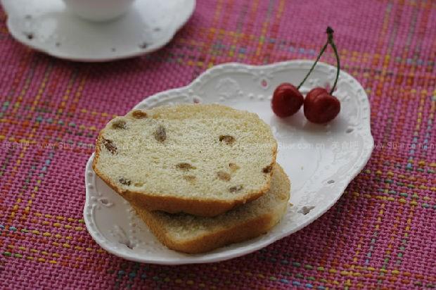 全麦葡萄干面包