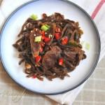 腊肉炒萝卜干(夏季里的开胃下饭菜)