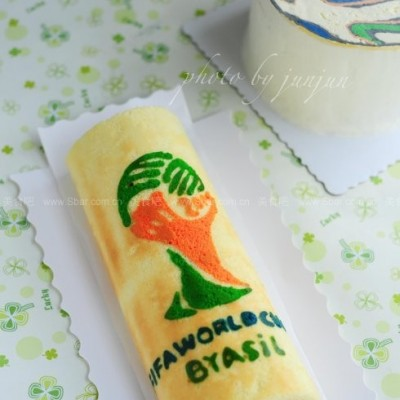 Brazuca足球蛋糕和大力神杯蛋糕卷
