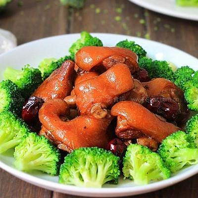 红枣花生焖猪蹄