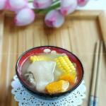 南瓜玉米蹄花汤