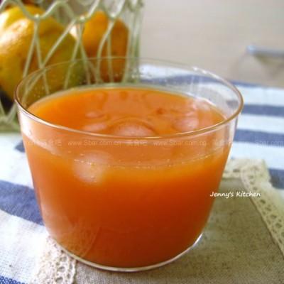 胡萝卜橙汁、黄瓜梨汁