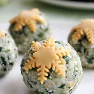 雪花菠菜饭团