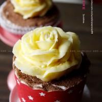 玫瑰纸杯蛋糕