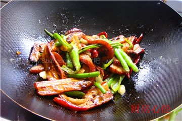擂辣椒扣肉