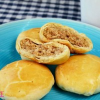 芸豆肉松酥皮月饼