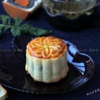 红豆沙黑芝麻蛋黄月饼