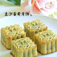 豆沙蛋黄月饼