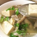 姬菇豆腐湯