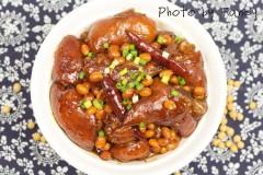 酱焖黄豆猪手