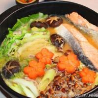 秋鲑鱼味噌火锅