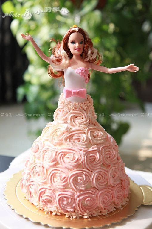 芭比娃娃蛋糕(生日蛋糕)的做法步骤图片