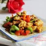 青红椒炒鸡球(能够改善记忆力的家常菜)
