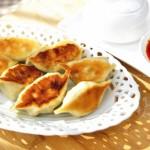 鲜肉芹菜煎饺(早餐菜谱)