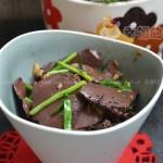 韭菜炒猪血(雾霾天里的清肺菜)