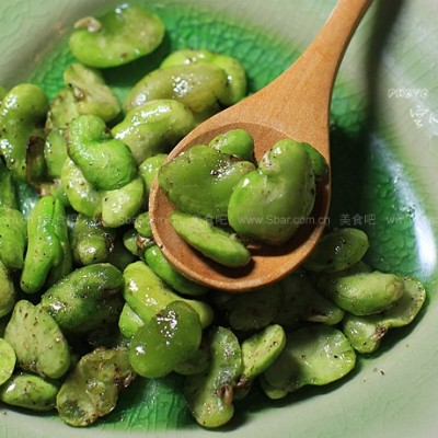 椒盐翡翠蚕豆