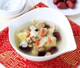 冬季滋补西洋参红枣鸡汤