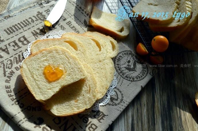 金桔酱面包