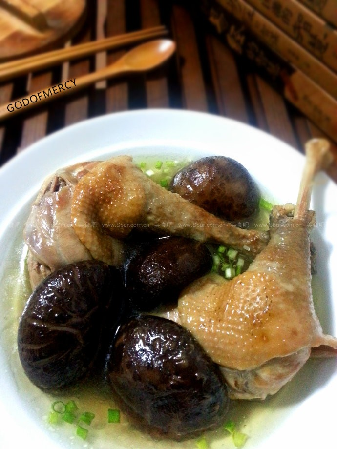 香菇炖鸡腿