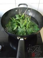 核桃牛肉拌菠菜