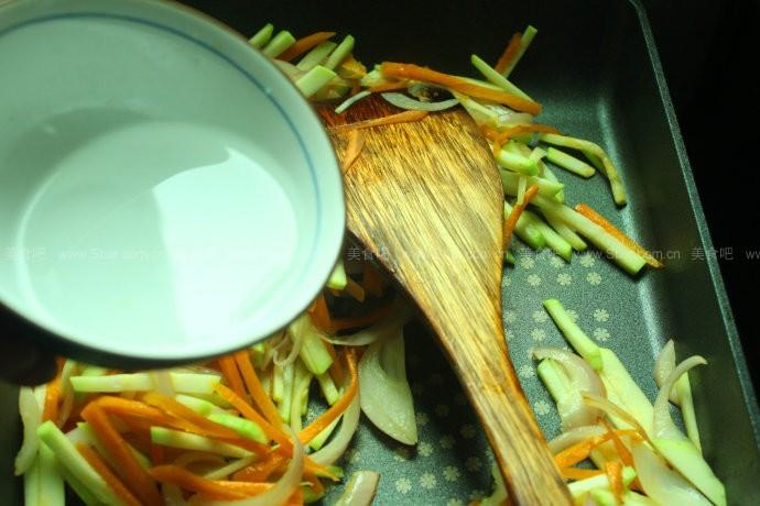 韩式辣海鲜拌面