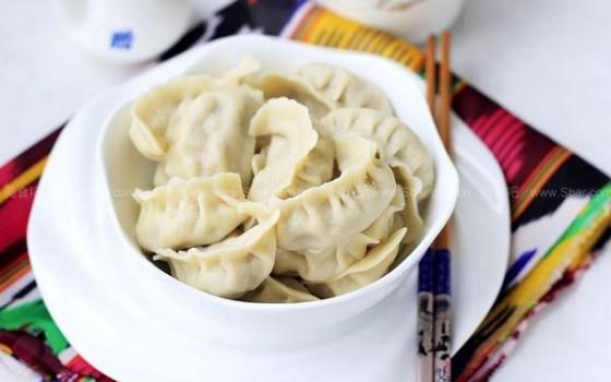 皮牙子羊肉饺子