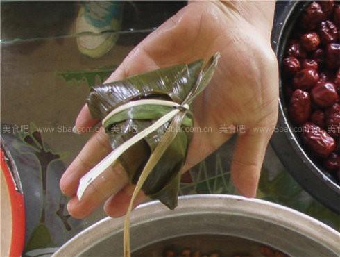 高粱米和大黄米红枣粽子