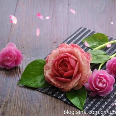 雕刻美丽的萝卜花儿