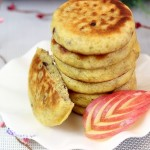 蓝莓黄豆面贴饼子(电饼铛食谱)