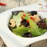 木耳莴苣炒鸡片
