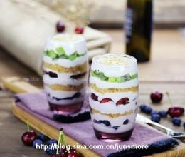 鲜奶油水果杯