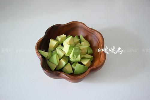 红米牛油果沙拉