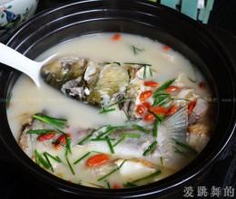 嫩豆腐炖白鱼