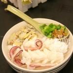 蚬肉鲜鱿米粉汤