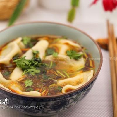 红油酸汤饺