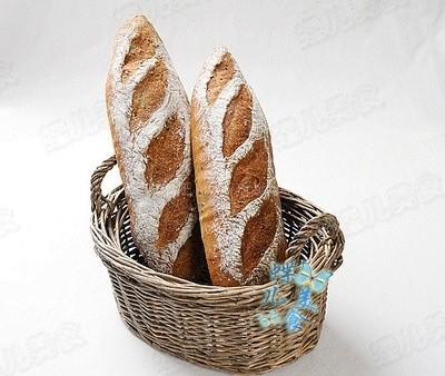 黑芝麻红酒黑裸麦小法棍面包