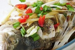微波炉清蒸鳜鱼(微波炉菜谱)